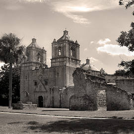 Gordon Beck - Mission Concepcion Monochrome