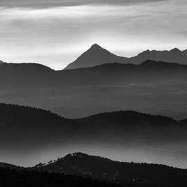 Guido Montanes Castillo - Misty mountains BW
