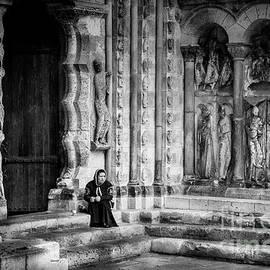 RicardMN Photography - Moissac Abbey entrance BW