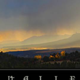 R christopher Vest - Montezuma Valley Pano Mesa Verde Ute Mountain