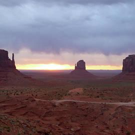 Gordon Beck - Monument Valley Sunrise