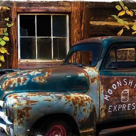 Debra and Dave Vanderlaan - Moonshine Express Bordered