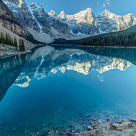 Pierre Leclerc Photography - Moraine Lake Blues