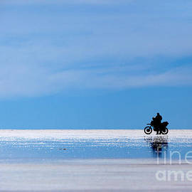 James Brunker - Motorbike trip across the Salar de Uyuni