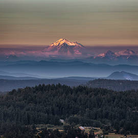 Mount Baker Sunset - Thomas Ashcraft