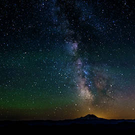 Mount Rainier and the Milky Way 2 - Pelo Blanco Photo