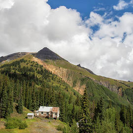Mountain Mining Home - Twenty Two North Photography