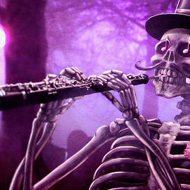 Move your body - the Musician skeleton by Carlos Tato