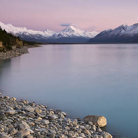 Mt Cook  New Zealand by Michael Treloar