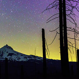 Mt. Jefferson bathed in Auroral light - Cat Connor