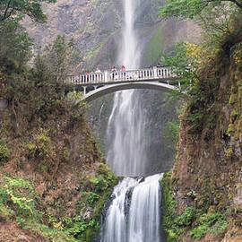 Mulnomah Falls by Rod Jones
