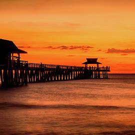 Gareth Burge Photography - Naples Pier Sunset