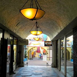 Arlane Crump - Nassau Shops