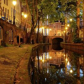 Merijn Van der Vliet - New Canal with wharf in Utrecht in the evening 237