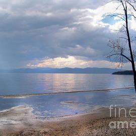 Felipe Adan Lerma - New England Thaw on Lake Champlain