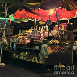 Miriam Danar - New York at Night - Umbrella Market