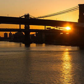 Georgia Mizuleva - New York City Magic - Iconic Brooklyn Bridge Sunrise