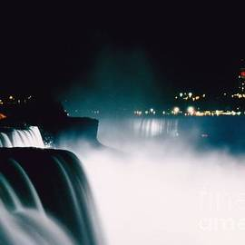 Niagara Night by DJ Florek