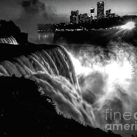 Luther Fine Art - Niagara At Night