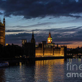 Night Parliament and Big Ben - Mike Reid