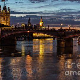 Night Thames Mood - Mike Reid