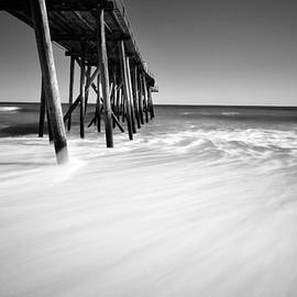 Paul Ward - NJ shore in black and white