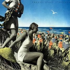 Studio Grafiikka - Norderney Vintage Collage Poster - Girls on a beach