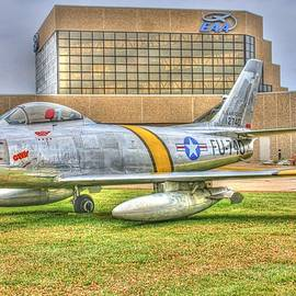 Tommy Anderson - North American F-86 Sabre EAA - Gabby