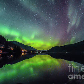 Joy McAdams - Northern Lights Reflection- Canada