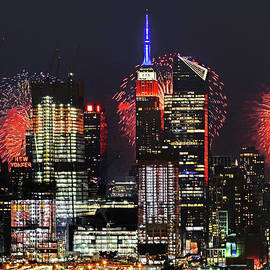 Regina Geoghan - NYC July 4  Fireworks Show 2017
