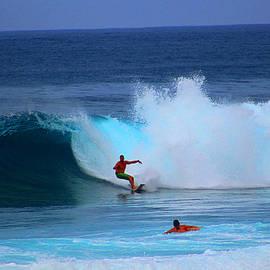 Michael Rucker - Oahu Pipeline Hawaii