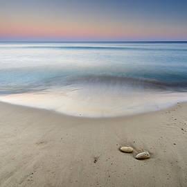 Ocean II by Guido Montanes Castillo