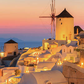 Oia during sunset on Santorini by Henk Meijer Photography