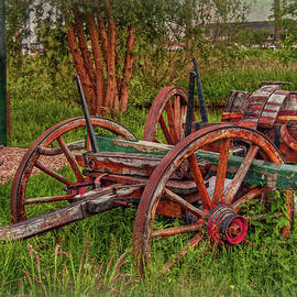 Old and Rusty by Hanny Heim