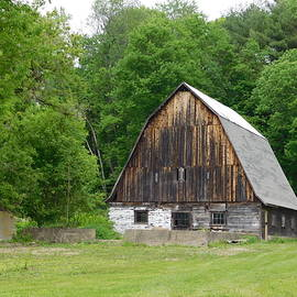 Catherine Gagne - Old Barn off Mill Street