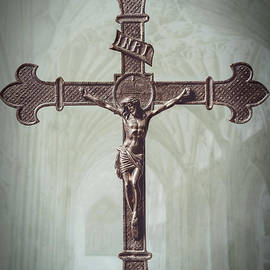 Amanda Elwell - Old Brass Cross