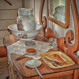 Dennis Dugan - Old Dresser