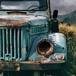 Jaroslaw Blaminsky - Old forgotten blue car