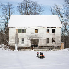 Old House in the Snow Springfield New Hampshire - Edward Fielding