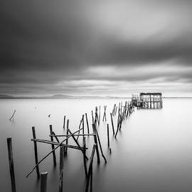 Old piers by Mauricio Reis
