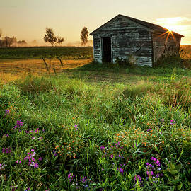 Kevin Kludy - Old Shed at Sunrise