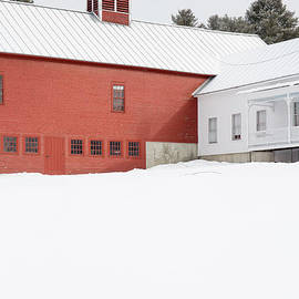 Edward Fielding - Old traditional New England Farm in Winter
