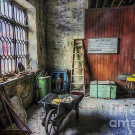 Ian Mitchell - Olde Victorian Slate Workshop