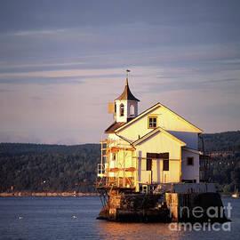 Kim Lessel - Oslo Fjord Church