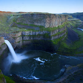 Palouse Falls Dusk by Mike  Dawson