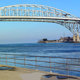 LeeAnn McLaneGoetz McLaneGoetzStudioLLCcom - Pano Bluewater Bridge Michigan