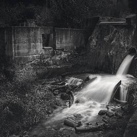 Scott Norris - Paradise Springs Dam and Turbine House Ruins