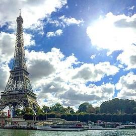 Paris, le-de-France, France by Henri Irizarri