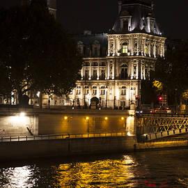 Paris by Michael Riley