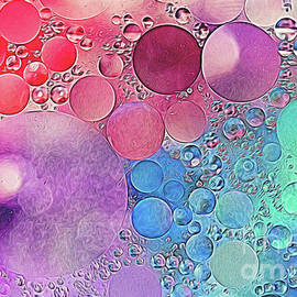 Pastel Bubbles by Darleen Stry